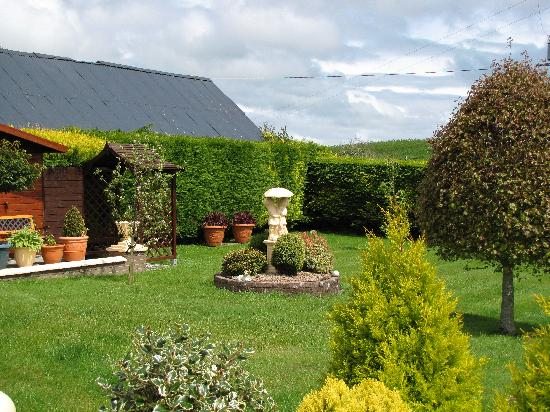 Cookstown, UK: Fortview's garden