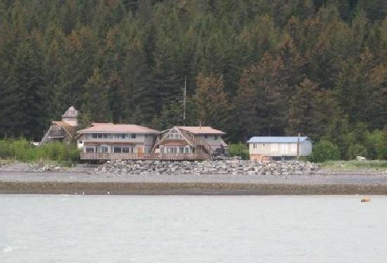 Alaska Saltwater Lodge: As seen from water