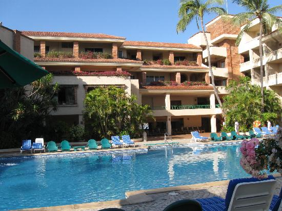 Hotel Playa Mazatlan: View from the pool