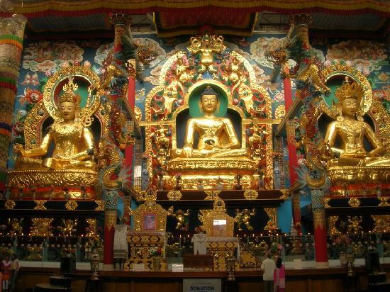 Club Mahindra Madikeri, Coorg: Bylakuppe Budhist temple