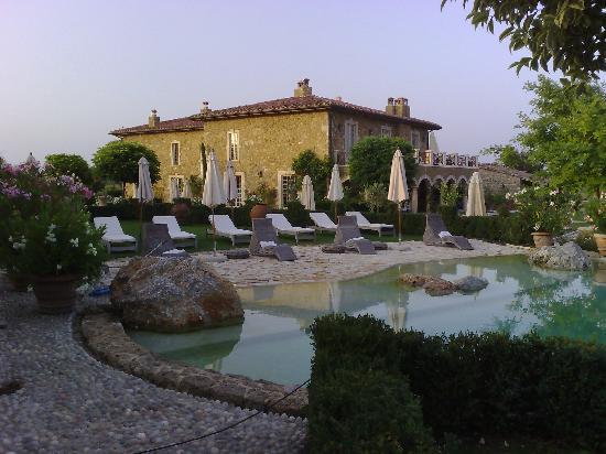 Borgo Santo Pietro: Borgo seen from the pool