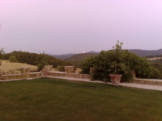 Borgo Santo Pietro: sunset
