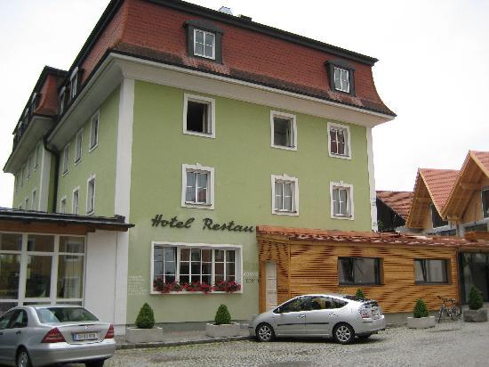 Gesundheitshotel Gugerbauer : Front of hotel