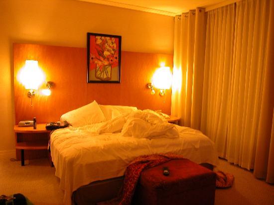 Sofitel Montreal Golden Mile: the room