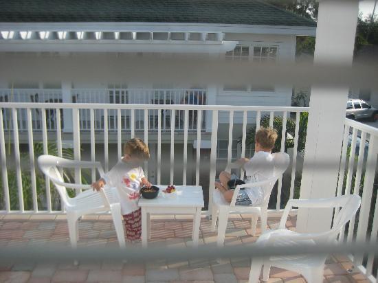 Coconut Inn: Breakfast on the veranda outside Room 7 - immediately below is the pool