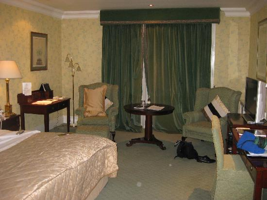 Hayfield Manor Hotel: Room