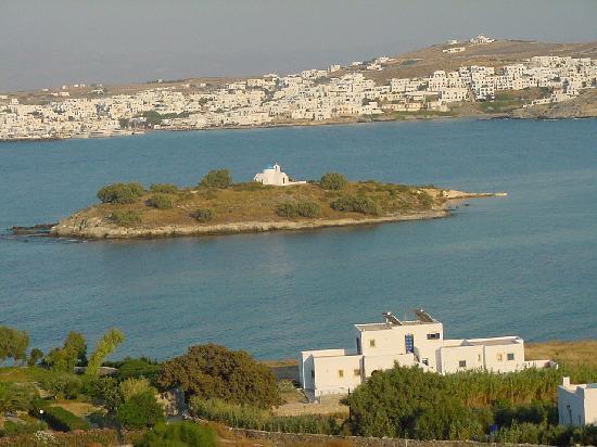 Anlipsi Island: Analipsis con di fronte Naoussa