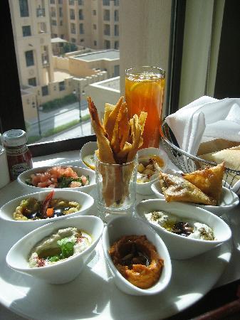 Vida Downtown: room service meze platter