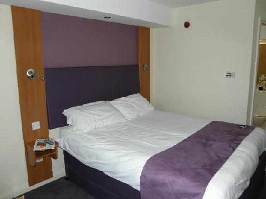 Premier Inn Hastings Hotel: ROOM 225