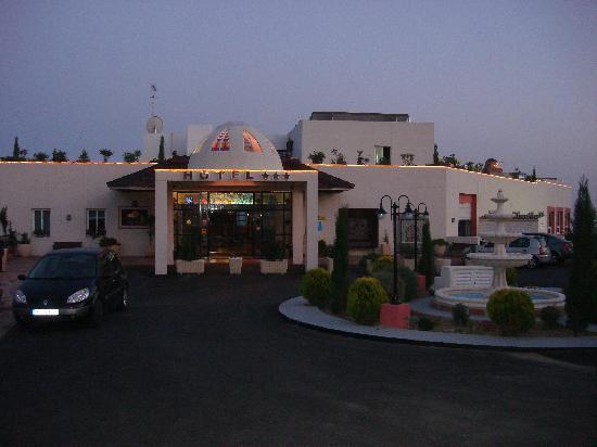 Ecohotel Puerto de Ojen: entrada del hotel