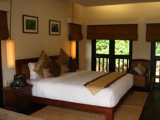 Gayana Eco Resort: comfy bed