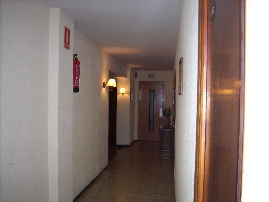 Hotel Santa Ana: corridoio