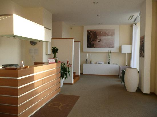 Rota Suites : reception area