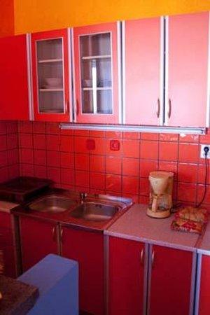 Villa Apartments Sunrise: Kitchenette