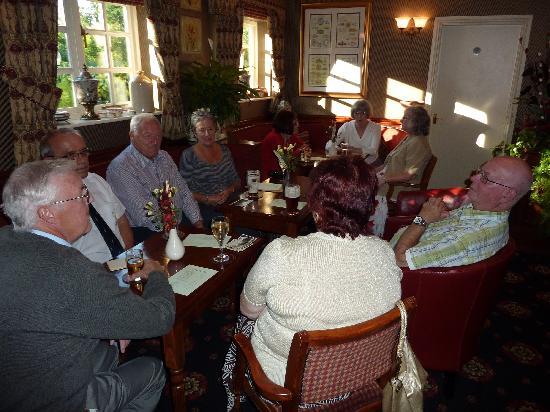 The Grange Hotel: Pre-dinner drinks in the bar.