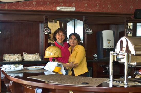 Amisos Hotel: Naz, Queen of the Turkish breakfast!