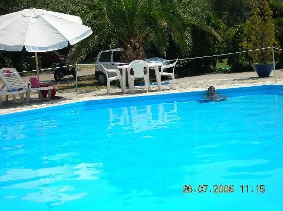 Hatziandreou Hotel: Pool
