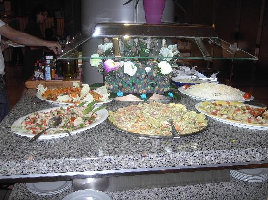 Aqua Hotel Montagut : buffet