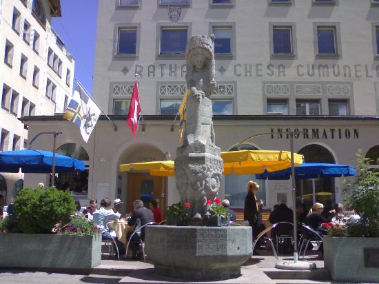 Hotel Nevada: Statua di S. Maurizio a S. Moritz