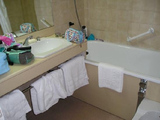 Hotel Alba: En suite bathroom
