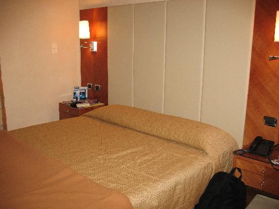 Hotel Opera Roma: Hotel Room 2