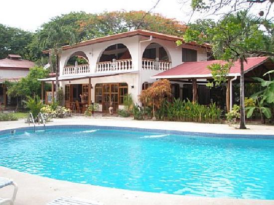 Hotel Casa Romantica: rear view of main house; 3 rooms share balcony
