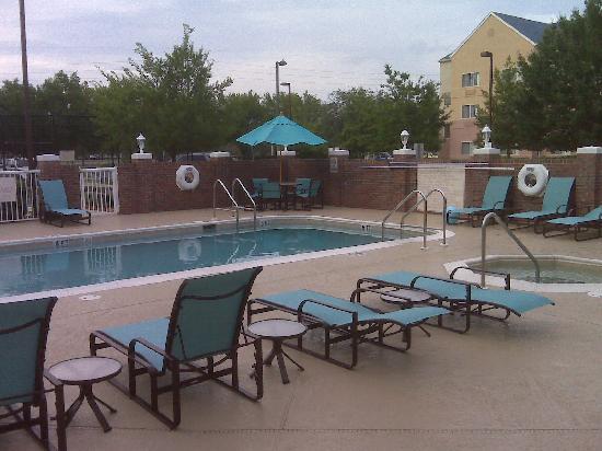 Residence Inn Jacksonville Airport: pool