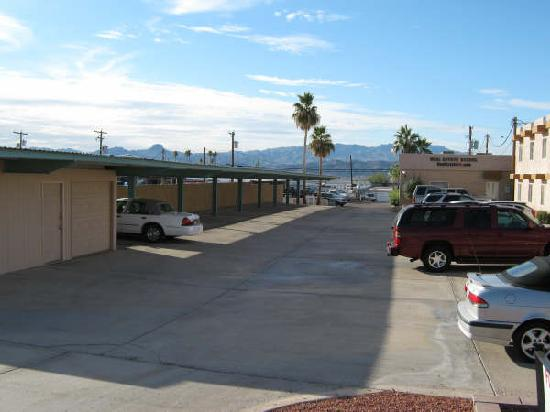 Havasu Sands All Suite Resort: Free Covered Parking