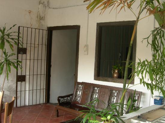 River View Guest House: autre vue du patio