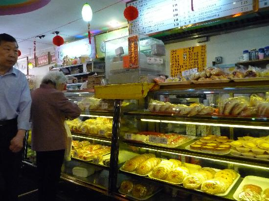 The Enthusiastic Gourmet: in a Chinese bakery