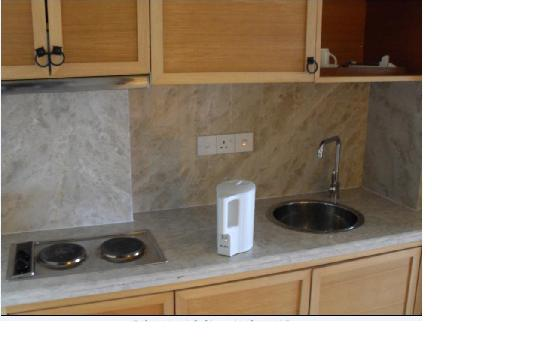 Langkawi Lagoon Resort: Mini kitchen in room
