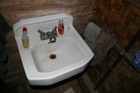 Kosrae Village Ecolodge & Dive Resort: Waschbecken