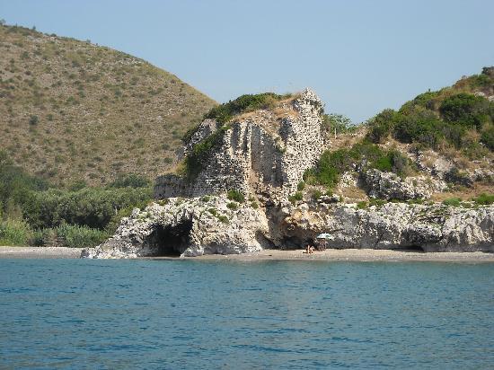 Arco Naturale Club: Uno scorcio della costa dal mare