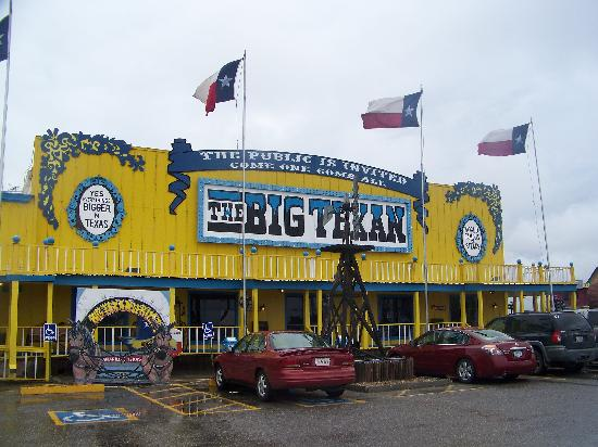 Big Texan Steak Ranch: outside