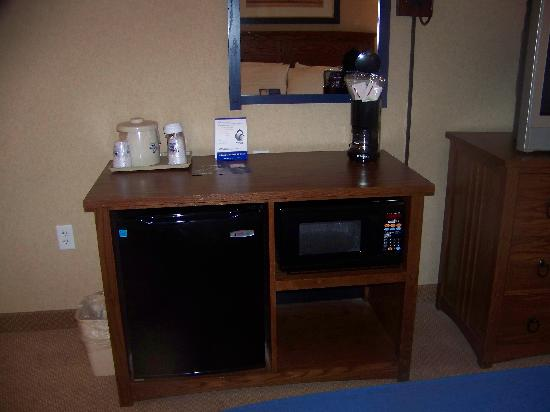 Holiday Inn Express Sierra Vista: mini fridge