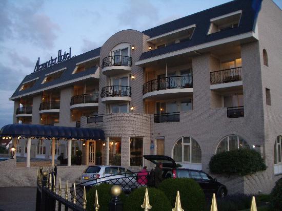 Noordwijk, Nederland: Hotelansicht am frühen Abend