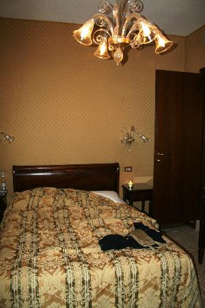 Arco Antico Guest House: The room was very cozy and clean