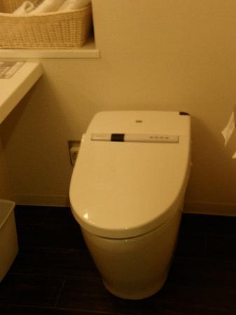 โรงแรมครอส โอซากา: AMAZING BATHROOM