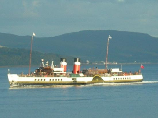 The Osborne: Great views of the Clyde with Paddle Steamer - Waverley