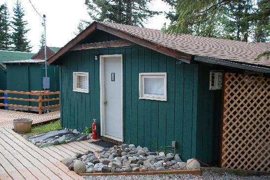 Denali Park Salmon Bake Cabins: My Cabin