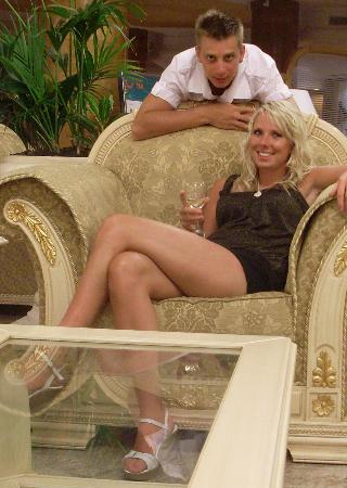 Hotel Riu Palace Tres Islas: apparently this should be in OK! magazine, it's the hotel reception
