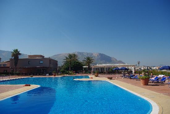Florio Park Hotel : la piscine