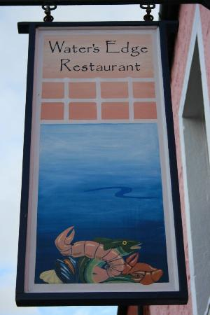 Island Diner : Look out for this sign