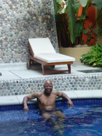 Hotel Casa Celeste: lovely pool and rest area