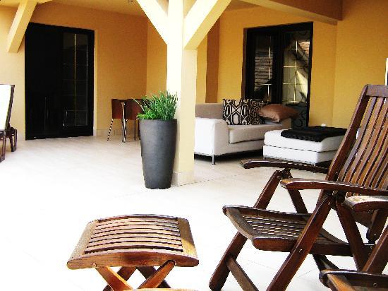 Kapital Inn : The sun deck