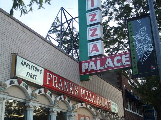 Frank's Pizza Palace: Front of Building 1