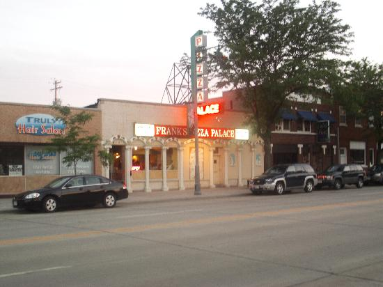 Frank's Pizza Palace: Front of Building 2