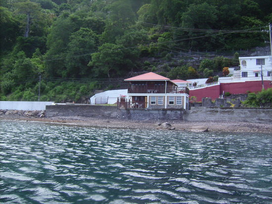 Nature Island Dive Resort: Gallette Cottage from dive boat