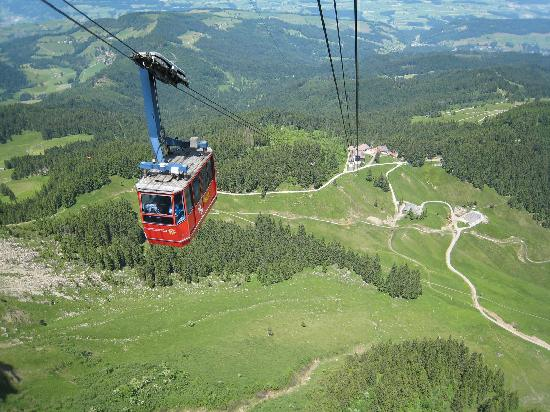 Hotel Bellevue: The final part of the ascent with aerial cableway is just magnificent