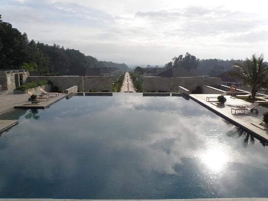 The Serai : The infinity Pool